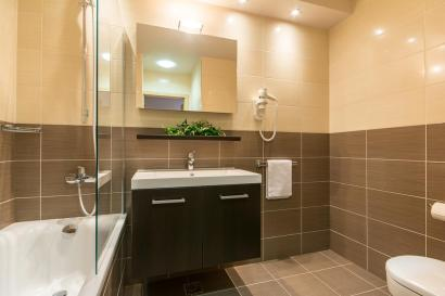 En-suite bathrooms in all apartments
